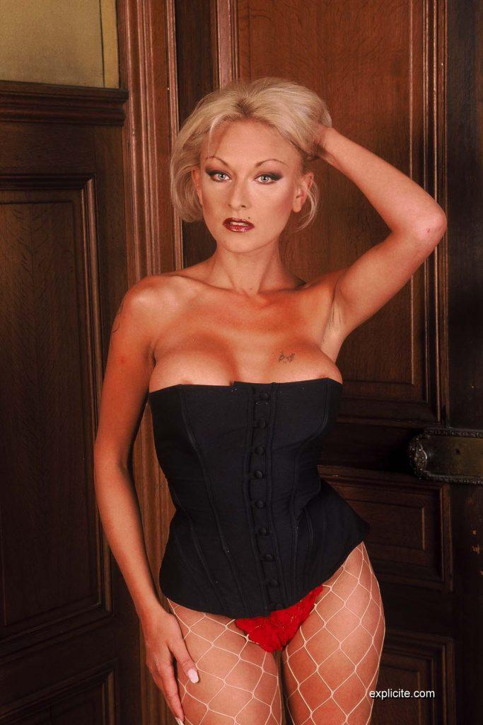 Actrice porno française mature.